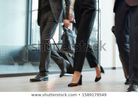 ног элегантный бизнеса багаж движущихся Сток-фото © pressmaster