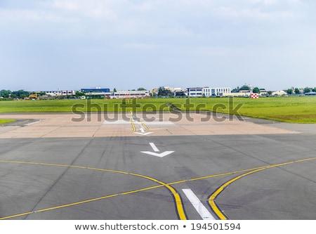 Pijlen luchthaven landingsbaan landing witte natuur Stockfoto © meinzahn