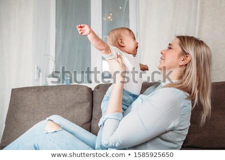 ağlayan · ev · bebek · oda · kız - stok fotoğraf © lopolo
