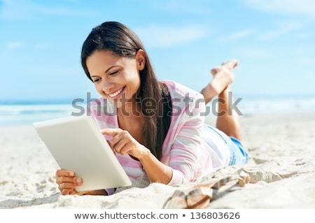 bastante · mulher · jovem · ao · ar · livre · mulher · livro - foto stock © jagston