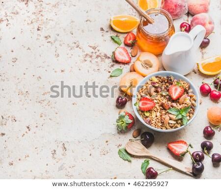 vers · continentaal · ontbijt · gezonde · voeding · roereieren · salade · kaas - stockfoto © dariazu