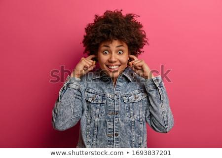 若い女性 · リスニング · ゴシップ · クローズアップ · 少女 · 聞く - ストックフォト © andreypopov