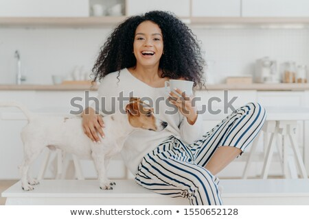 люди отдыха животные радостный темно женщину Сток-фото © vkstudio