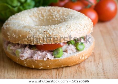 Bagel szendvics újhagyma paradicsomok fa deszka vacsora Stock fotó © raphotos