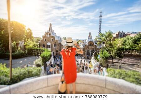 Turistas Barcelona puesta de sol hombre ciudad construcción Foto stock © adrenalina