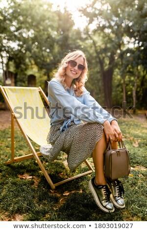 Photo stock: Mode · femme · séance · argent · président · mode