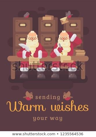 二 · 聖誕老人 · 寫作 · 信件 · 孩子們 · 思維 - 商業照片 © IvanDubovik