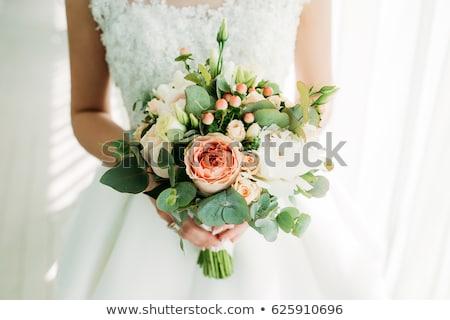 Gyönyörű menyasszonyi virágcsokor zöld szatén szalag Stock fotó © zhekos