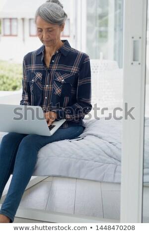 Elöl kilátás aktív idős afroamerikai nő Stock fotó © wavebreak_media