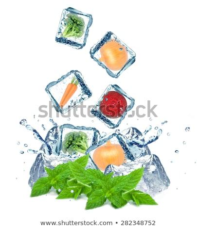 Cubo de hielo aislado blanco resumen vidrio Foto stock © Givaga