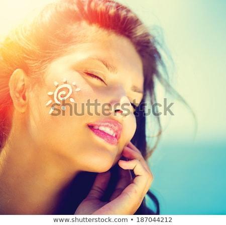 Foto stock: Protetor · solar · loção · mulher · pele · praia