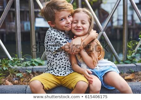 Brat siostra rodziny dziewczyna uśmiech dzieci Zdjęcia stock © jeancliclac