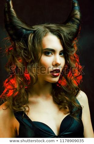 Heldere mysterieus vrouw hoorn haren halloween Stockfoto © iordani