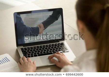 Skuteczny strategie laptop ekranu lądowanie Zdjęcia stock © tashatuvango