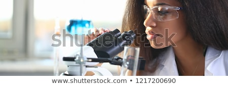 Kadın bilim adamı deney laboratuvar doktor kadın Stok fotoğraf © wavebreak_media