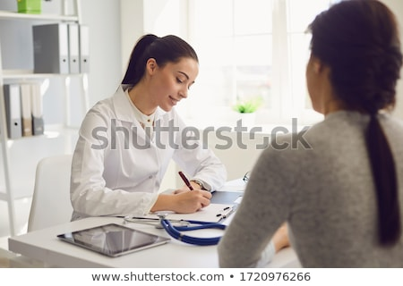 Arzt · tröstlich · Patienten · Tabelle · weiblichen · depressiv - stock foto © andreypopov