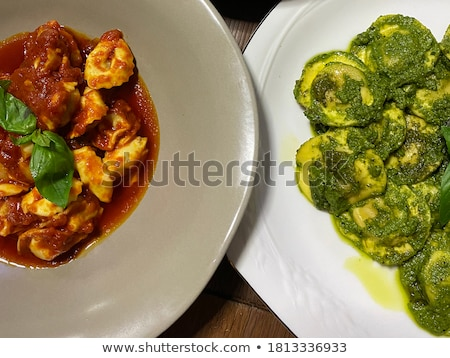 Spinaci crema salsa parmigiano ripieno pasta Foto d'archivio © Digifoodstock