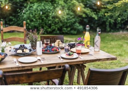 Bes taart picknicktafel dessert vers buitenshuis Stockfoto © IS2