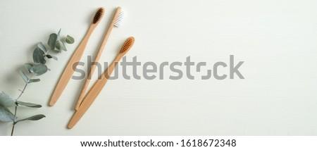 歯磨き粉 · 歯ブラシ · オレンジ · 緑 · 薬 · キーを押します - ストックフォト © taden