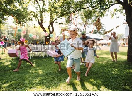 счастливым дети подарки празднование дня рождения лет праздников Сток-фото © dolgachov