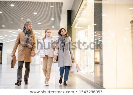 современных семьи три ходьбе большой магазин Сток-фото © pressmaster