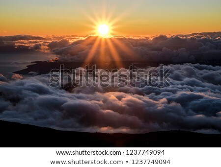 Sunrise Hawaii parc ciel fond nuage Photo stock © iofoto