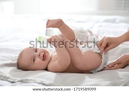 Verandering luier illustratie meisje kind gezondheid Stockfoto © adrenalina