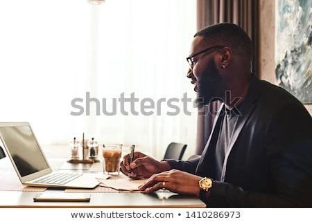 вид сбоку молодые бизнесмен сидят диван виртуальный Сток-фото © wavebreak_media