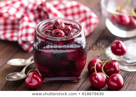 Bessen kers siroop glas jar Stockfoto © yelenayemchuk