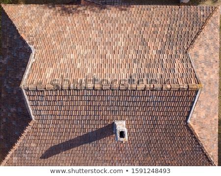 Stok fotoğraf: Eski · çatı · fayans · kırmızı · ev · doku