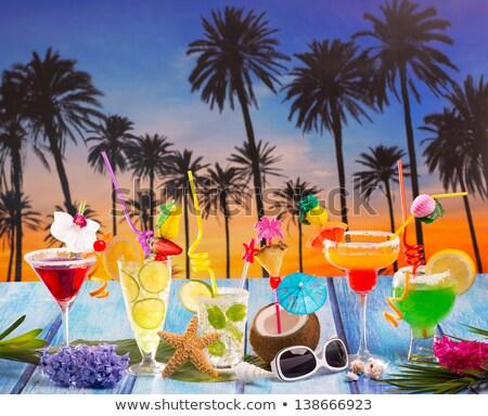 noix · de · coco · cocktails · paille · plage · tropicale · starfish · tropicales - photo stock © lunamarina