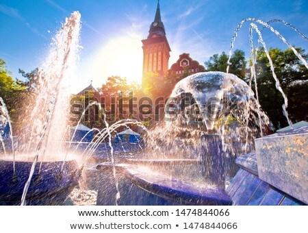 ciudad · sala · fuente · sol · vista - foto stock © xbrchx