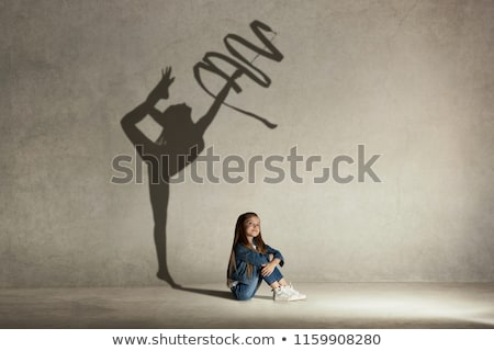álmodik lány közelkép kép gyönyörű kislány Stock fotó © hsfelix