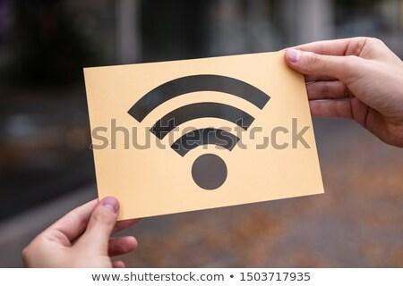 Ręce papieru bezprzewodowej sygnał Zdjęcia stock © AndreyPopov