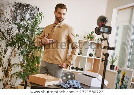 Mannelijke mode blogger video internet schoenen Stockfoto © Elnur