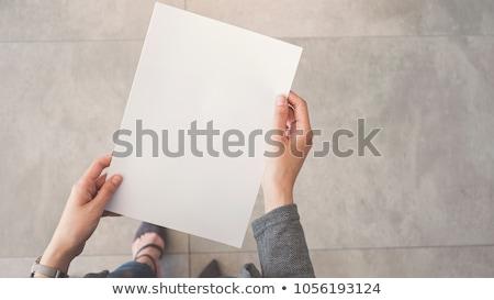 Tart papír kártya női kéz üres papír Stock fotó © iko