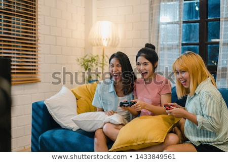paar · spelen · video · games · shot · woonkamer - stockfoto © photography33