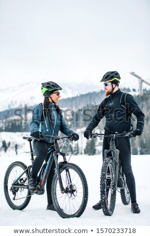 Casal bicicleta capacete mulher homem esportes Foto stock © photography33