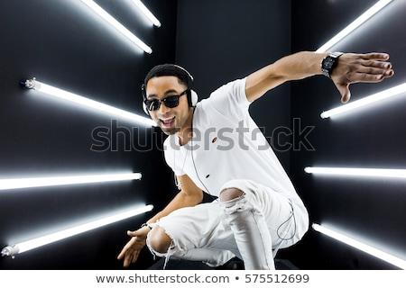 fiatal · afroamerikai · férfi · előad · tánc · bent · stúdió - stock fotó © get4net