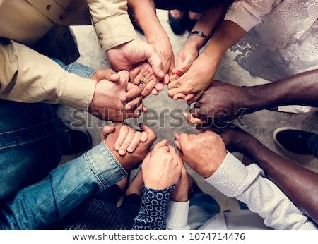 Osoby modląc różaniec ręce drewna Zdjęcia stock © kbuntu