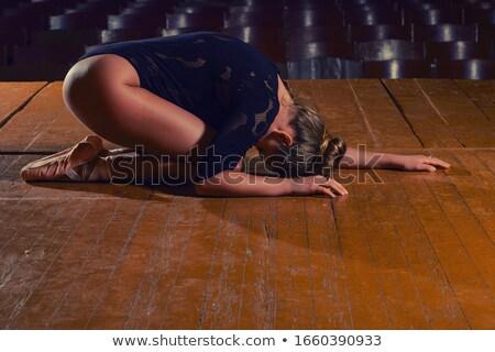 печально актриса красное платье сидят таблице сигарету Сток-фото © maros_b