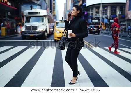 vrouw · voetganger · illustratie · straat · kruis · helpen - stockfoto © stevanovicigor