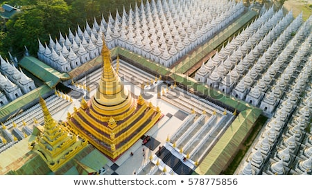 Or pagode temple principale ville Myanmar Photo stock © Mikko