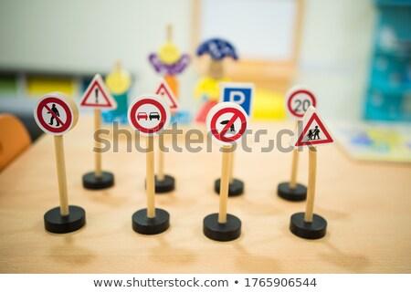 Verkeer borden kinderen school weg kind Stockfoto © zurijeta
