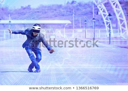 man · virtueel · realiteit · hoofdtelefoon · spelen · video · game - stockfoto © rastudio