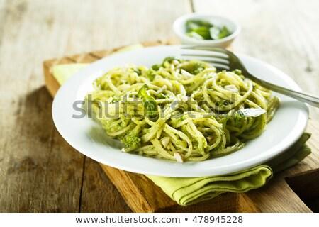 Cocido casero pasta pesto albahaca tagliatelle Foto stock © Melnyk