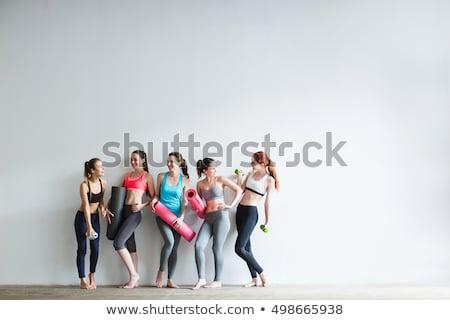 Vrouwen gymnasium centrum oefening glimlach sexy Stockfoto © imarin