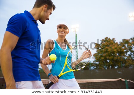 Tennis spelers vrouw man buitenshuis praten Stockfoto © deandrobot