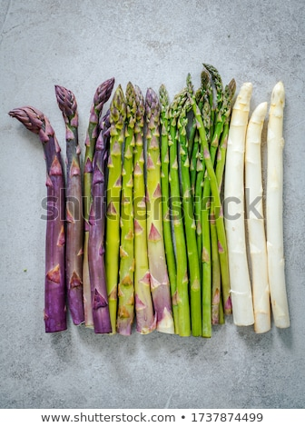 Nyers spárga zöld fa asztal friss tavasz Stock fotó © tycoon