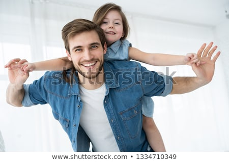 padre · jugando · hija · juguetes · blanco · sonriendo - foto stock © photography33